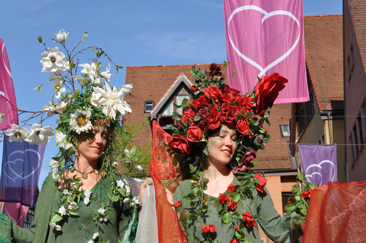 Blumenfrauen.-2015-05.-8672
