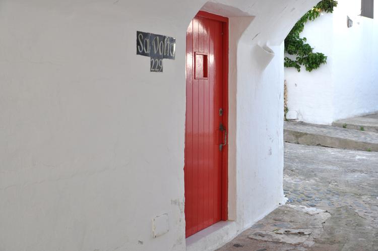 Rote-Tuer.-Menorca-9482