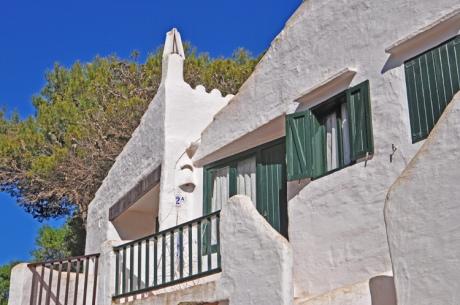 Haus-Baum.-Menorca-9471