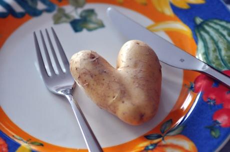 Herzkartoffel-Obst-Gemuese.