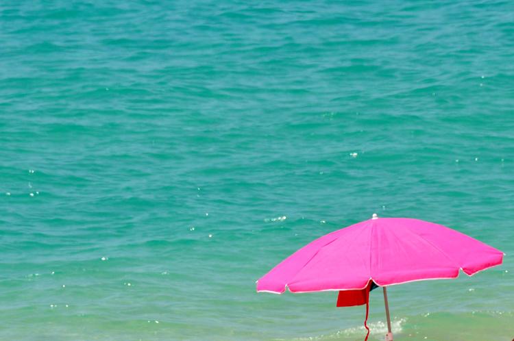 Sonnenschirm-Meer-Fuerteven