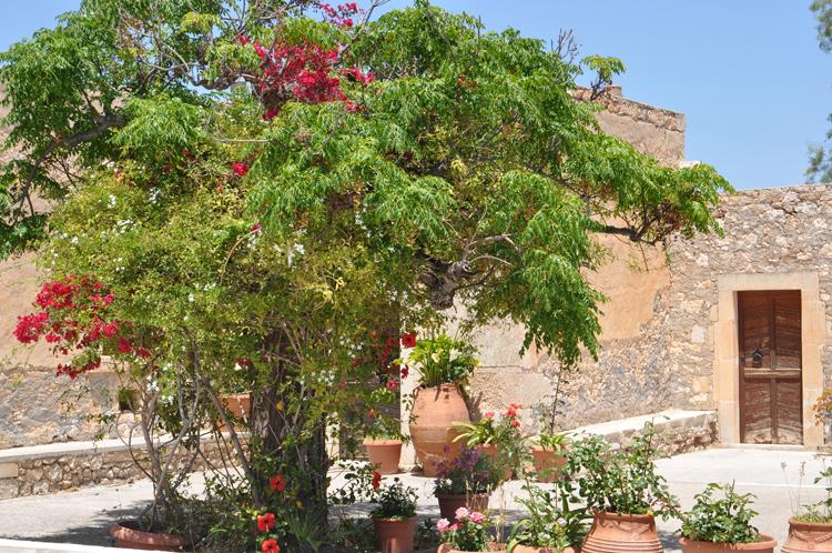 Klostergelände-Kreta-2014.-.jpg