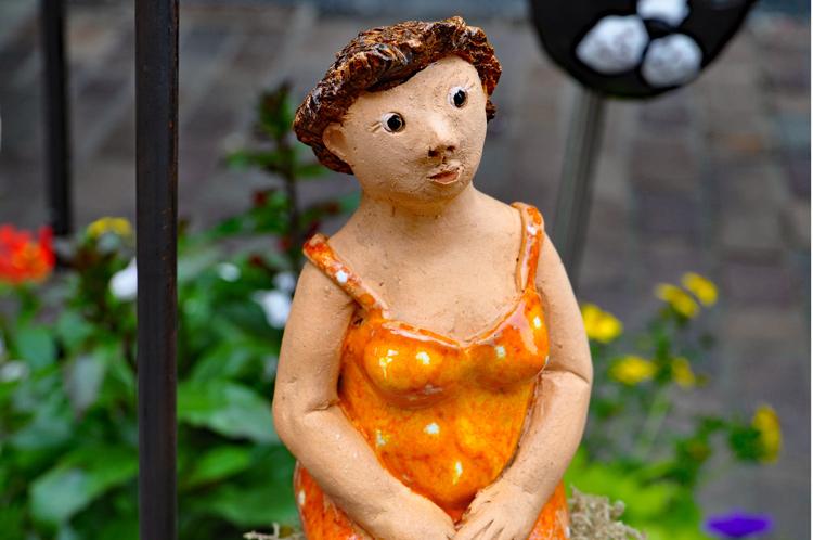 Frau-aus-Keramik.8880